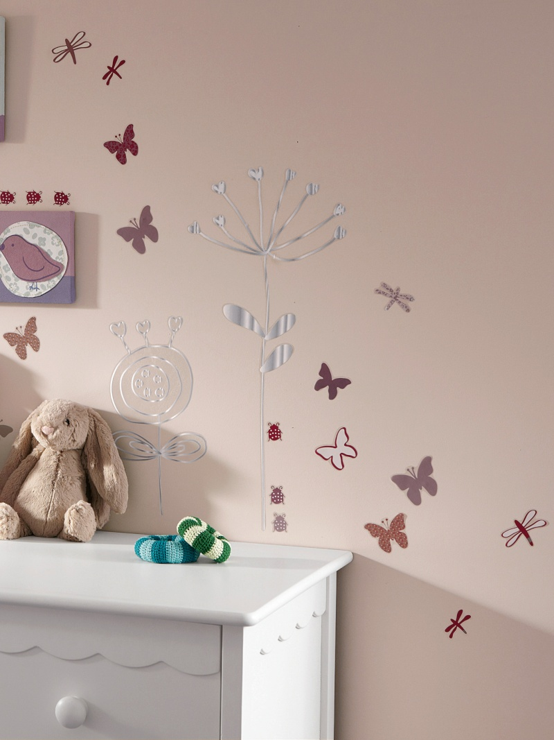 quelle couleur dans la chambre de ma fille de 3 ans page 2. Black Bedroom Furniture Sets. Home Design Ideas