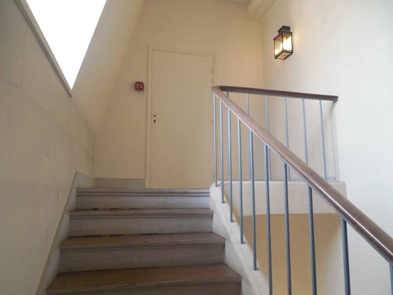 l 39 escalier fleury. Black Bedroom Furniture Sets. Home Design Ideas