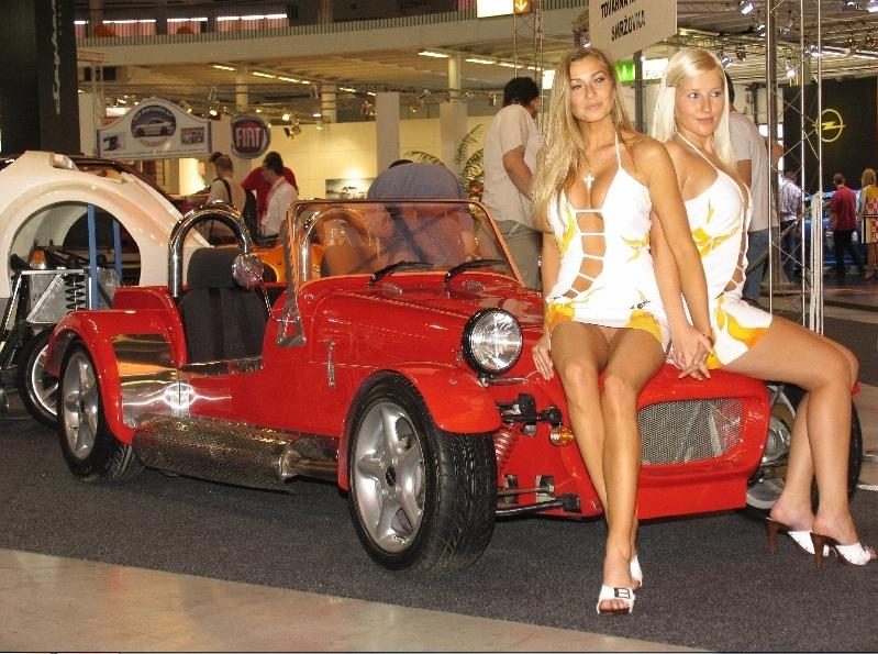 Salon de l 39 auto for Hotesse dans les salons