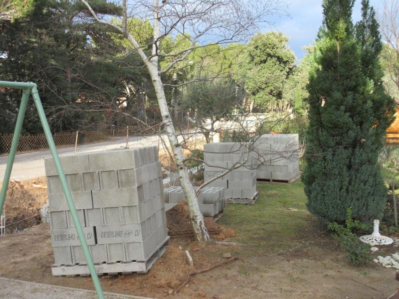 Construction du mur livraison mat riaux - Livraison materiaux de construction ...