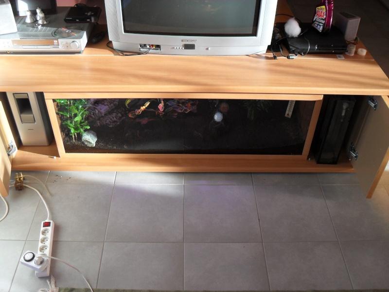 Meuble t l by pogo47 for Aquarium meuble tv