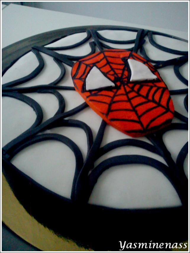 g teau spiderman en p te sucre blogs de cuisine. Black Bedroom Furniture Sets. Home Design Ideas