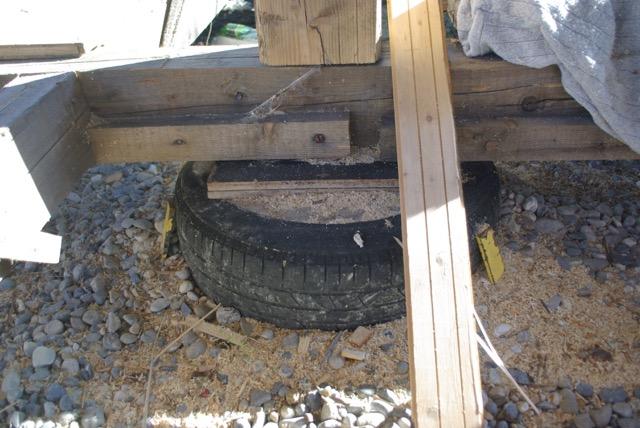 Construction seul et avec matériaux de récupération