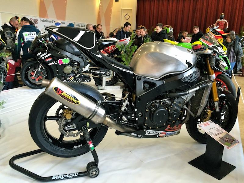 Salon de la moto de comp tition dans le 45 for Moto dans le salon