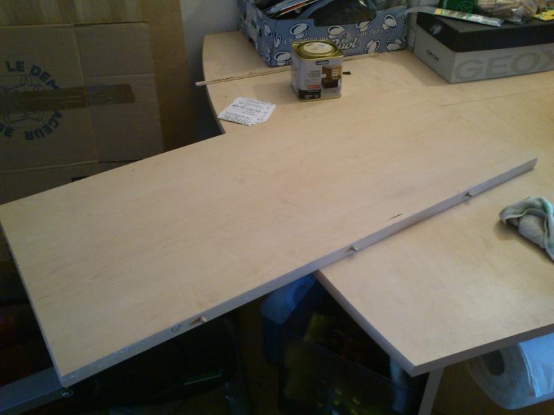 projet de table de d fonceuse sp ciale petit espace. Black Bedroom Furniture Sets. Home Design Ideas