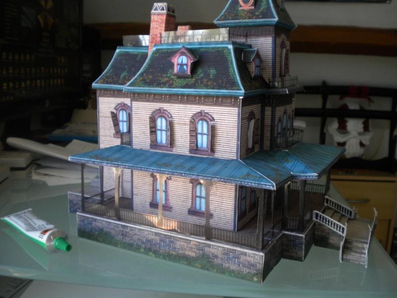 Maquette disney phantom manor ma premiere for Maison en papier a construire