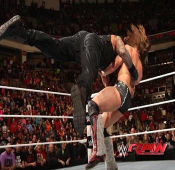 عرض WWE Raw 09.02.2015 كامل