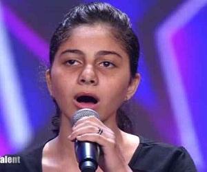 المطربة أحلام تسخر من صوت المتسابقة المصرية ياسمينا العلواني