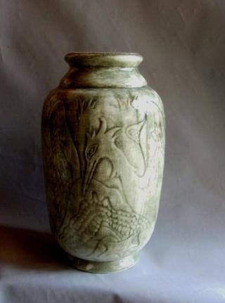vase en porcelaine pelicans periode art deco. Black Bedroom Furniture Sets. Home Design Ideas