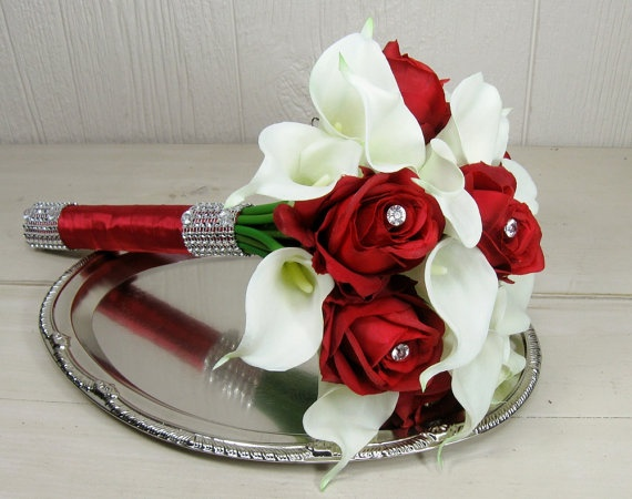 Bridal Bouquets Red And White Roses On Mariage Rouge Cascade Bouquet