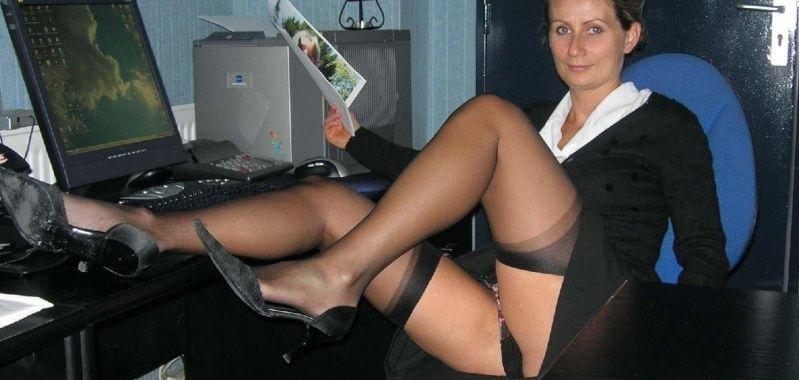 Nadine nue en public