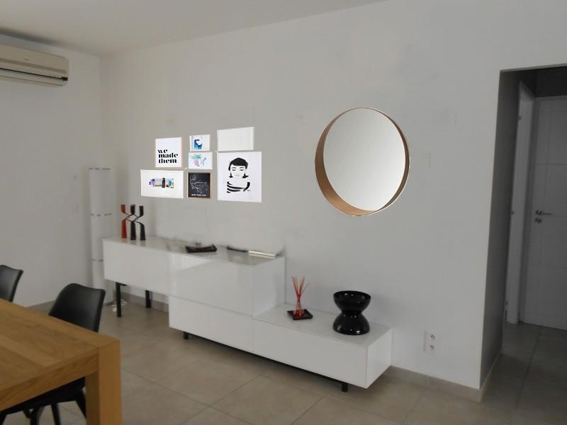 jodis31 quoi mettre au dessus du meuble sam page 7. Black Bedroom Furniture Sets. Home Design Ideas