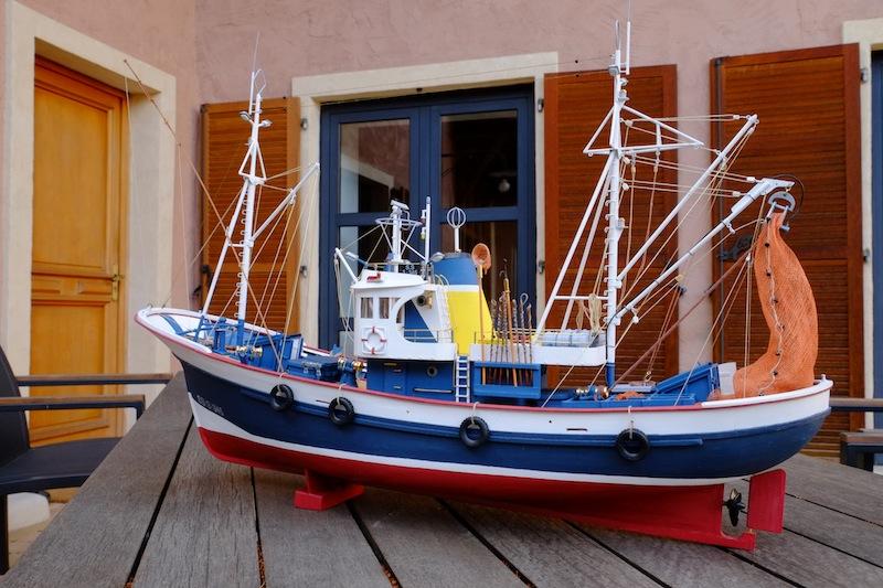 Maquette bateau en bois : Marina II Artesania  Magasin de Jouets pour Enfants