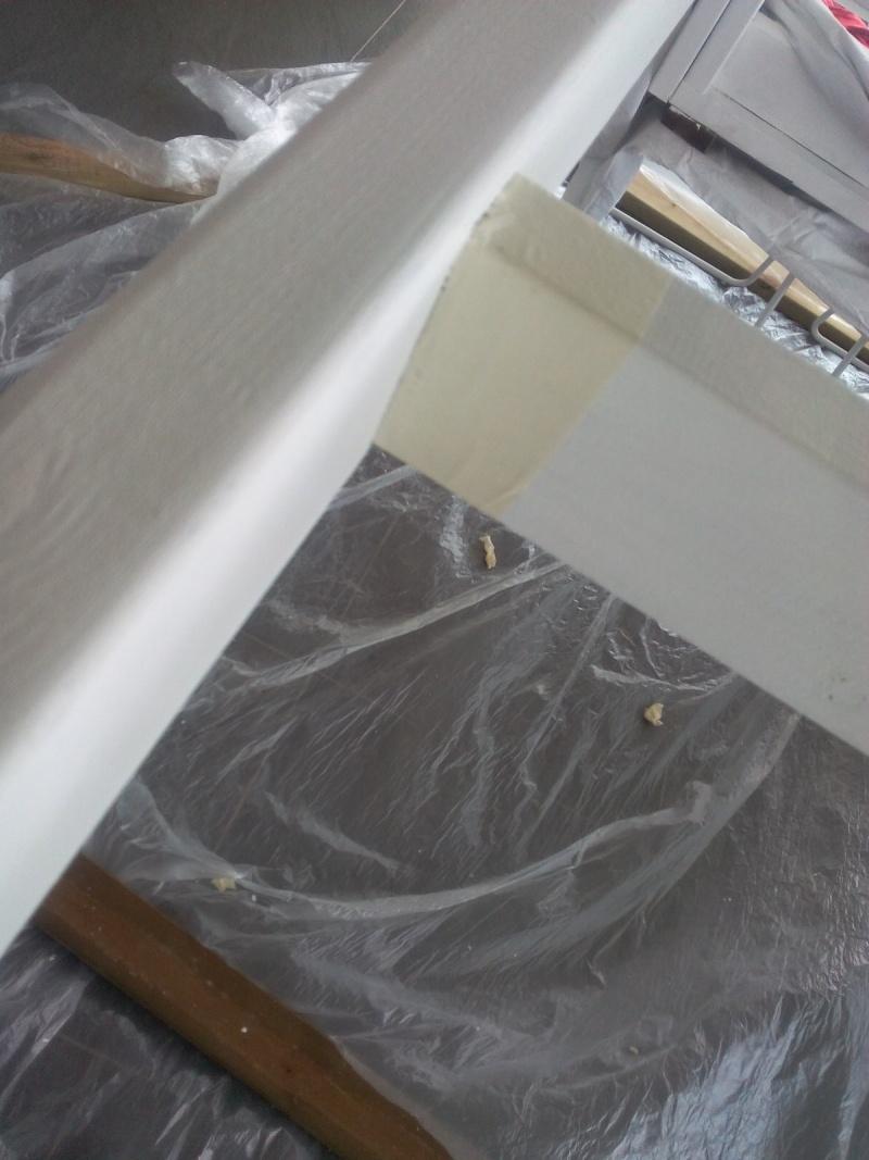 Table de defonceuse termine fabrication table en bois peint polycarbonate pour terrasse for Peinture pour table en bois tours