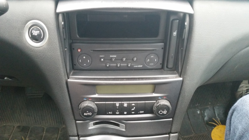 forum renault laguna aide l 39 installation autoradio dd et. Black Bedroom Furniture Sets. Home Design Ideas