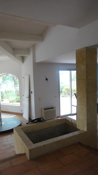 bassin int rieur avec son observatoire. Black Bedroom Furniture Sets. Home Design Ideas